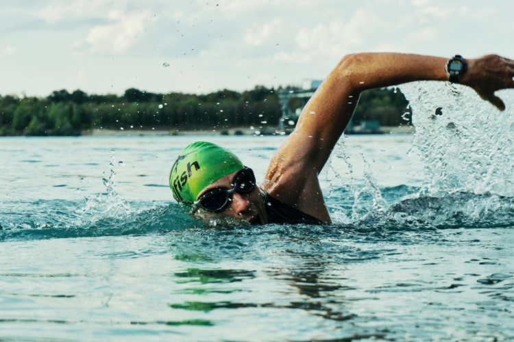 triathlon swimming tips for beginners - open water swimmer