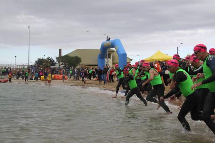Panic in open water triathlon?