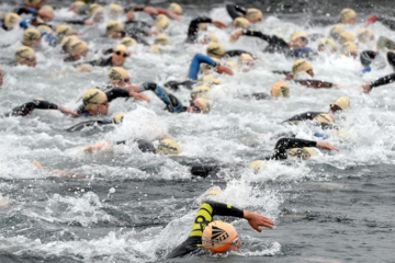 triathlon-swim-start
