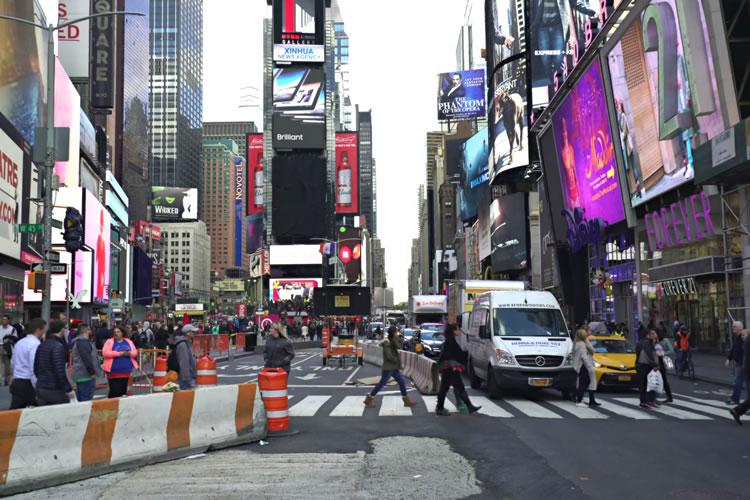 walking-in-newyork